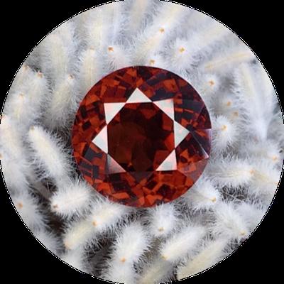 Рубин и гранат - камни, подходящие для Скорпиона