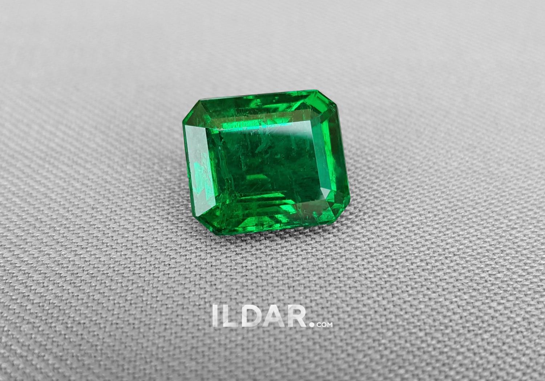 Elegant emerald from Zambia 6.91 ct смотреть