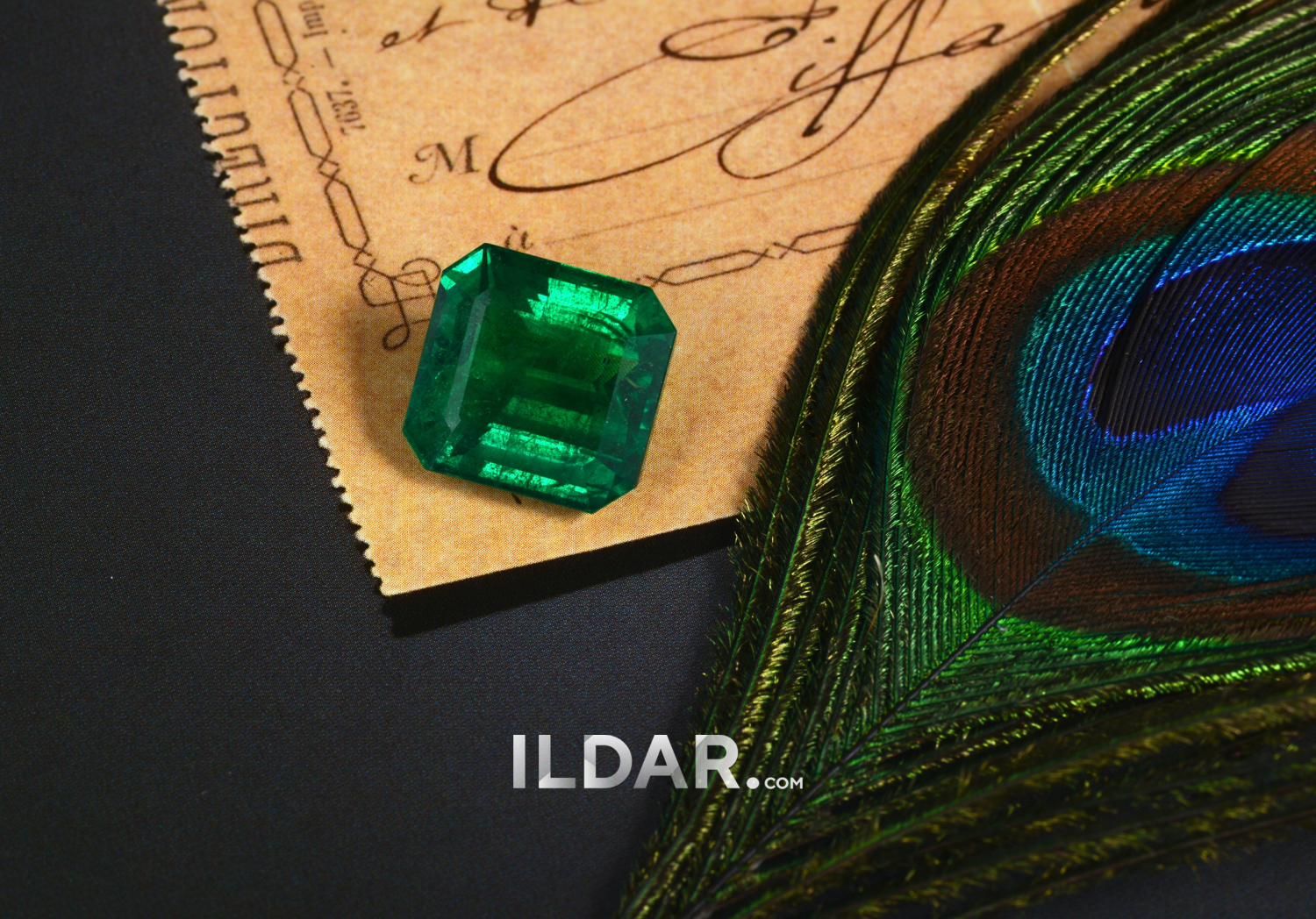 Large emerald with saturated color 15.19 ct