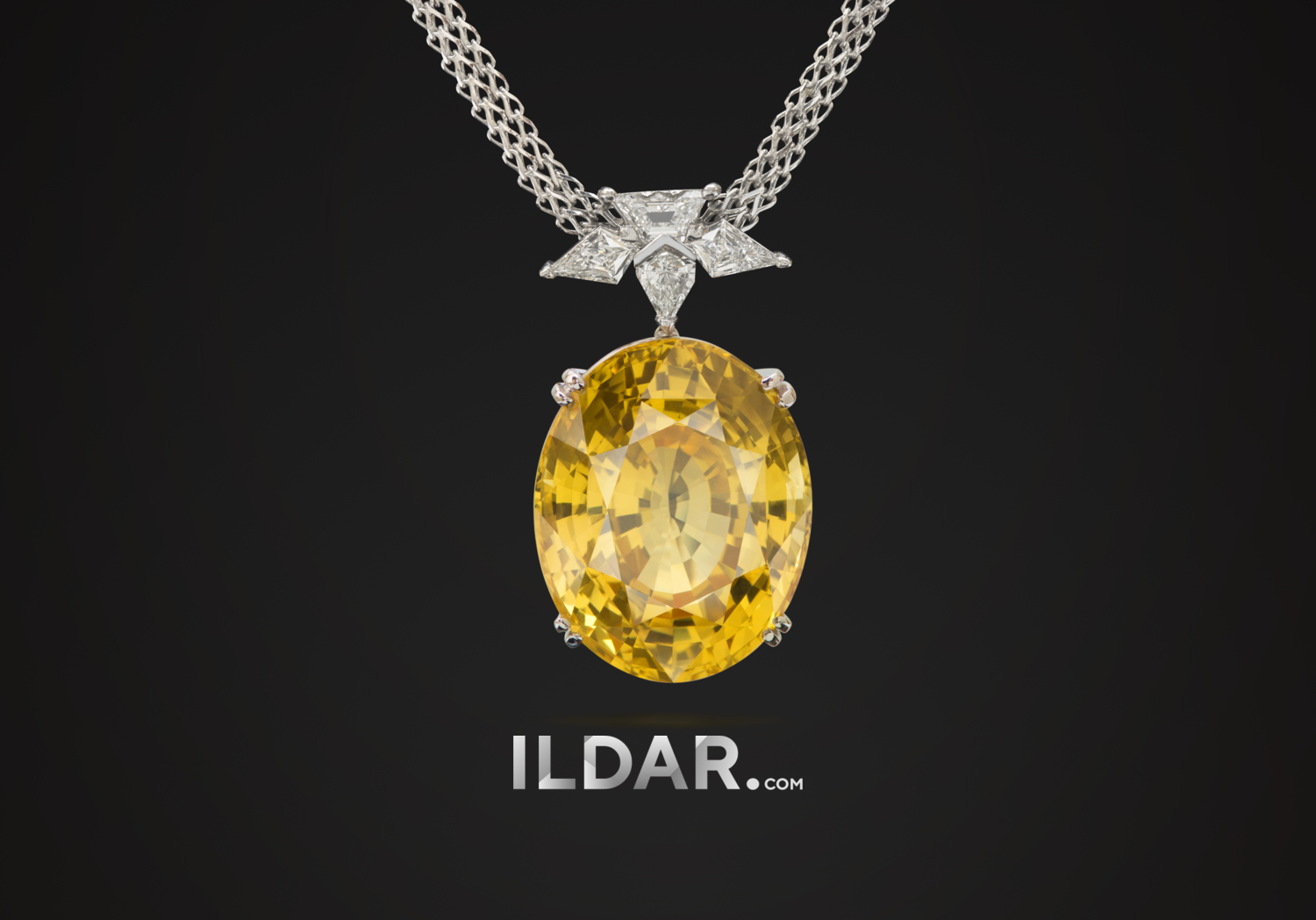 Pendant with large yellow sapphire 31.15 ct