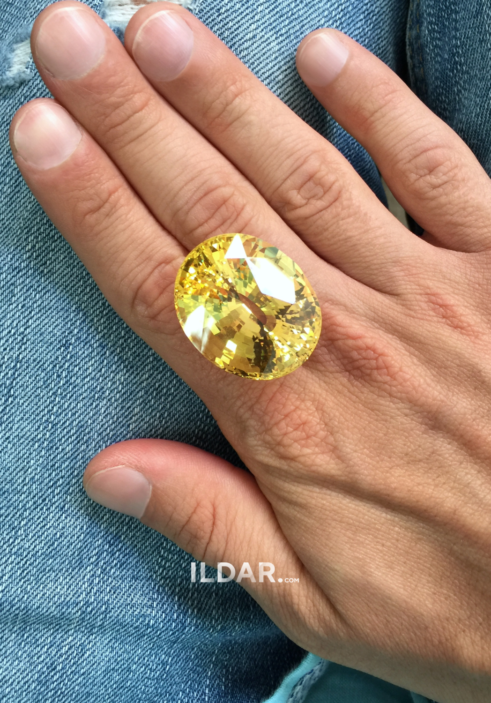 Huge yellow sapphire 103.75 ct