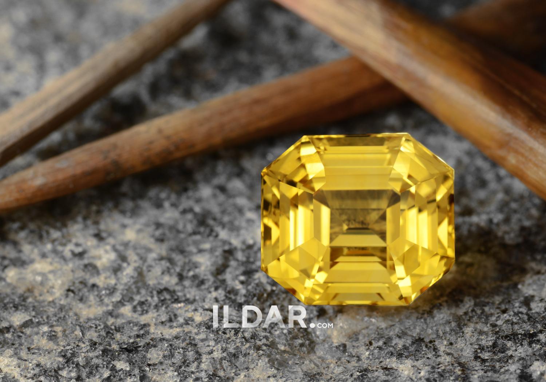 Yellow sapphire from Sri Lanka 18.59 ct